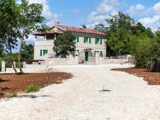 TH00423 Villa Stancija Cortina - Kringa vacation rentals