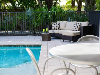 Updated 5 Bedroom Home 2 Min. to Gulf/Bay Beaches! - Sanibel Island vacation rentals