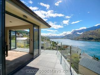 Spacious House in Queenstown with Internet Access, sleeps 10 - Queenstown vacation rentals