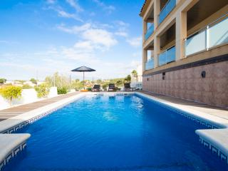 Mesmerizing villa in Calafell for 7 guests, only 9km from the beach! - Costa Dorada vacation rentals