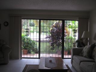 Near the Beaches, Casino & Port Lucaya Marketplace - Freeport vacation rentals