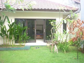 1 bedroom Bungalow with Internet Access in Batu Layar - Batu Layar vacation rentals