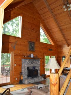 Gorgeous 3 bedroom House in Logan with Deck - Logan vacation rentals