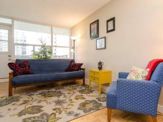 Serene 1 Bedroom Apartment in High Park - Toronto vacation rentals