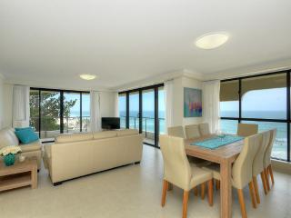 3 bedroom Apartment with Linens Provided in Mermaid Beach - Mermaid Beach vacation rentals