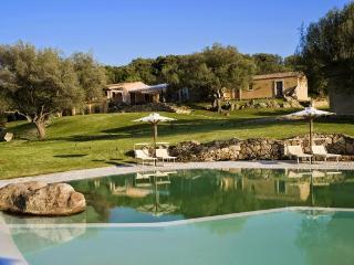 3 bedroom Villa in Arzachena, Sardinia, Italy : ref 2294088 - Arzachena vacation rentals