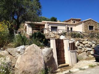 Cozy 3 bedroom Villa in Castiadas with Deck - Castiadas vacation rentals