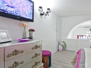 Colosseo loft - Rome vacation rentals