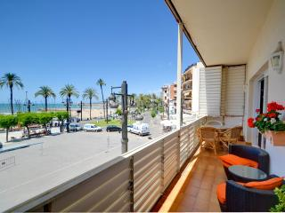 Bright 3 bedroom Apartment in Sitges - Sitges vacation rentals