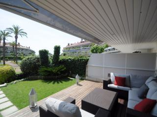 Luxury Apartment with Swimming Pool - Sitges vacation rentals