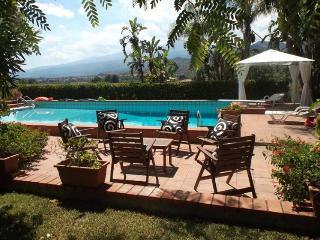 Villa Taormina Taromina Villa with pool, Villa to let near Taormina, Villa with view Taormina - Taormina vacation rentals