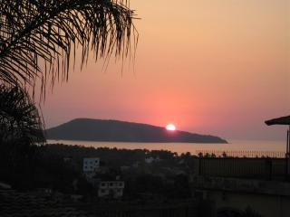 SEABREEZE COTTAGE, Stunning Views, Pool, Beaches - La Peaita de Jaltemba vacation rentals