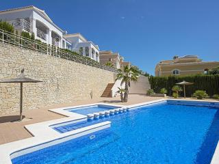 BUNGALOW MARIE: 600 m to sandbeach & restaurants - Calpe vacation rentals