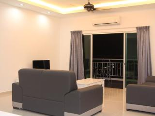 3 Bedroom Condo High Speed WIFI, Bayan Baru Penang - Bayan Lepas vacation rentals