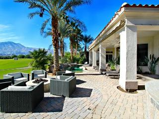 'Legends' Golf course views, pool & spa, fire pit - La Quinta vacation rentals