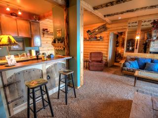 Condo with Log Cabin Feel! Beautiful Views, Quiet Setting! - Southwestern Utah vacation rentals
