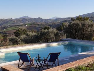 Nice 2 bedroom House in Penna San Giovanni - Penna San Giovanni vacation rentals
