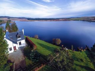 Beautiful loch side setting with private fishing - New Galloway vacation rentals