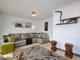 2 Bedroom Holiday Apartment in Croydon to Let - Croydon vacation rentals