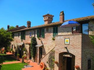 Charming Condo with Internet Access and Satellite Or Cable TV - Castiglione Del Lago vacation rentals