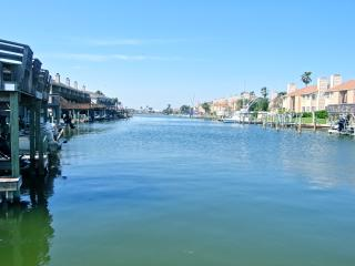 Coastal Style Waterfront:Beach,Wifi,Pool,Boat lift - Corpus Christi vacation rentals