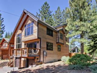 LUXURY w/ DUAL SUITES:3500 Sq-5 Bed/3 Living Areas - South Lake Tahoe vacation rentals