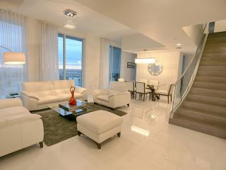 Luxurious Penthouse Downtown(PXVII) - Coconut Grove vacation rentals