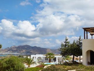 Two bed villa w.two bathrooms, breathtaking views - Agios Prokopios vacation rentals