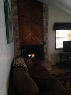 Gas Fire Place - ONLY 2 blocks to slopes :) - Angel Fire - rentals
