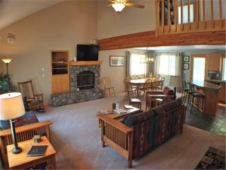 Spacious House with Deck and Internet Access - Sunriver vacation rentals