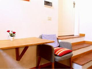 Studio apartment for 2 ppl in Duomo area Florence - Italy vacation rentals