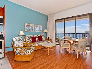 Sweeping ocean views from penthouse-level one-bedroom with AC!  Sleeps 5. - Waikiki vacation rentals
