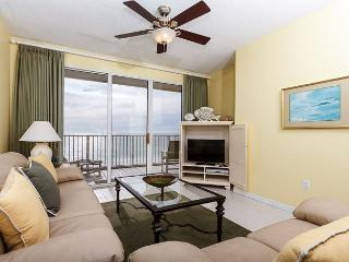 GD 502: Spacious beach condo-WiFi,full kitchen,pool,BBQ,FREE BCH SERVICE - Fort Walton Beach vacation rentals