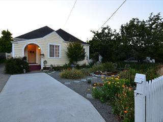 Cream City Cottage in Victorian Village of Ferndale, 2 Bdrm & Studio (fee) - Rio Dell vacation rentals