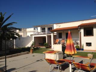 Villa con giardino direttamente sul mare - Mattinata vacation rentals