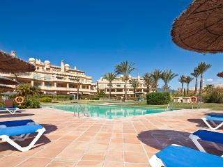 FANTASTIC THREE BED GOLF APARTMENT WITH SEA VIEWS - Estepona vacation rentals