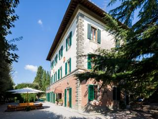Le Contesse, lordly Villa with pool and tennis court. - Tuscany vacation rentals
