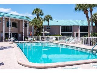 Beautiful & Modern Condo - Walk to Beach & Village - Siesta Key vacation rentals