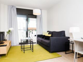 Plaza - One bedroom with balcony - Barcelona vacation rentals