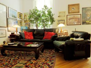 Cozy apartment near the Colosseum - Rome vacation rentals
