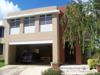 Escape to a fancy and comfortable house - Canovanas vacation rentals