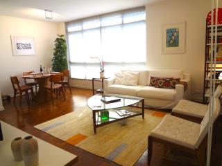 Sunlit 2 Bedroom Apartment in Jardins - Sao Paulo vacation rentals