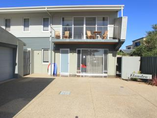Perfect House with Deck and A/C - Moana vacation rentals