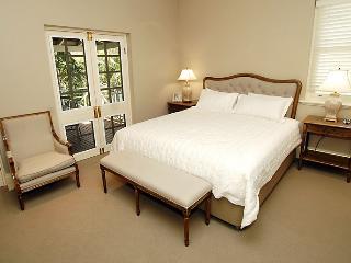 Villa La Vue - Top End vacation rentals
