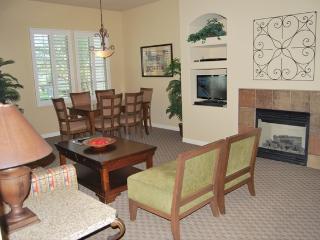#262- Beautiful Upstairs Villa - La Quinta vacation rentals