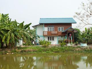 Maison traditionnelle thailandaise en teck - Doi Saket vacation rentals