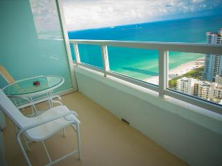 1511001RN Fontainebleau Tresor Junior Suite - Miami Beach vacation rentals