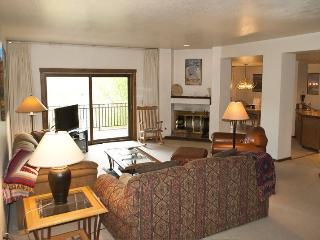Summit #2816 - Elkhorn - next to tennis courts & pool, on site hot tub - Ketchum vacation rentals