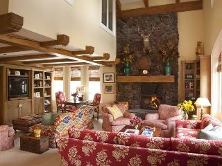 Lodge II Apartment #886 - Beautiful Apartment in the Sun Valley Village - Sun Valley vacation rentals