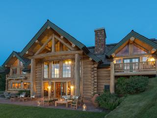 "Juniper 420 – ""Terra"" – Grand Lodge with Boulder Mountain Views - Ketchum vacation rentals"